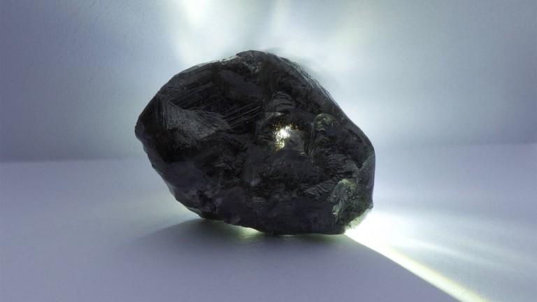 1758 карата богатство: Откриха втория най-голям диамант в историята