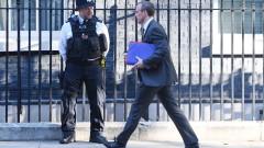 """Великобритания ще напусне ЕС """"фактически, не само формално"""""""