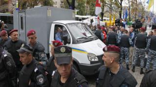 """Киев под обсада за процеса """"Тимошенко"""""""