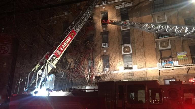 Дванадесет души загинаха при пожар в пететажна жилищна сграда в