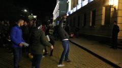 Протестиращите мятаха яйца срещу МО, не харесват министъра и F-16