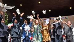 С 20 бели гълъба откриха азиатски фестивал в Борисовата градина