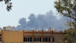 40 убити по авиоудар по бежански център в Триполи