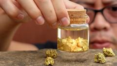 Златото се обезценява на фона на силния долар