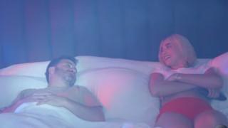 Как Дуа Липа изненада Джими Кимъл... в леглото