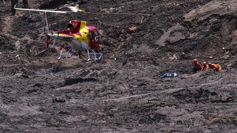 Снимка: 100 жертви на скъсана язовирна стена