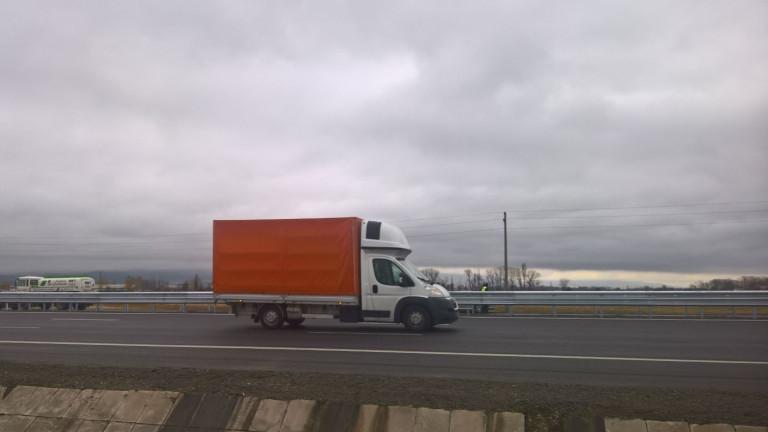 Спад в продажбите на търговски автомобили в България