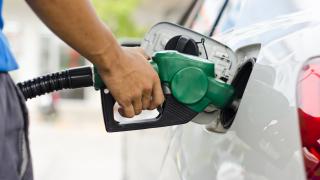 В Русия доволни: със средна заплата могат да купят далеч повече бензин от българите