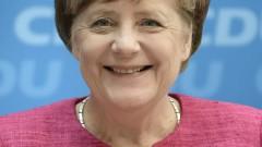 Меркел обеща да не казва на Франция какво да прави