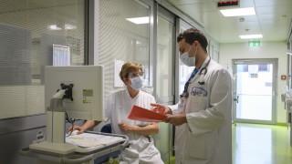 Скок на случаите с COVID-19 в Швейцария налагало засилване на мерките