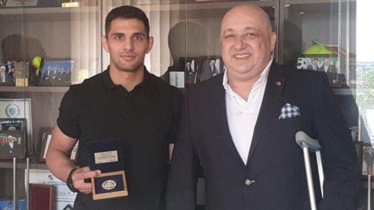 Министърът на младежта и спорта Красен Кралев награди джудиста Ивайло