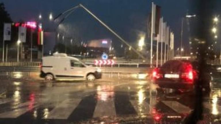 Порой и градушка падна във Варна тази вечер. За 20