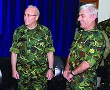 """Близнаков и ген. Стойков връчват дипломи в академията """"Г.С Раковски"""""""