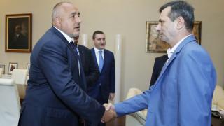"""Спешна среща при Борисов за клас """"прослужено време"""""""