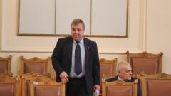 Антикорупционният закон е преекспонирана тема според Каракачанов