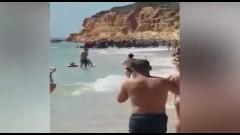 В Испания бежанци слязоха на плаж