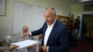 Станишев гласува и определи деня за ден на промяна в България и ЕС