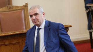 Комунисти и всякакви други били на улицата, според депутата от ГЕРБ Маноил Манев
