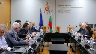 Вътрешният министър очаква истината от МВР-синдикатите