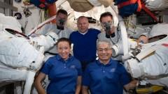 Проблемът с мръсните дрехи в Космоса
