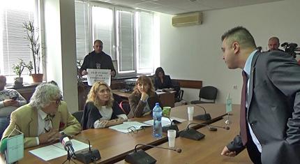 СЕМ даде лиценз за радиопрограма на турски, ВМРО ги дава на съд