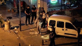 Самоделни бомби разтърсиха Истанбул