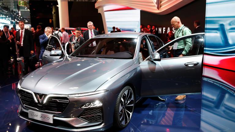 Снимка: Най-богатият човек във Виетнам инвестира $2 милиарда за да продава коли в САЩ
