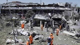 """Афганистан обвини бунтовниците """"Хакани"""" и Пакистан за кървавата баня в Кабул"""