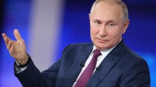 Путин уверява Макрон: Русия е за диалог, който зависи от ЕС
