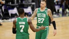 Бостън удари ЛА Клипърс в голяма драма