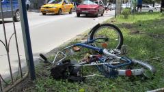 Кола блъсна 63-годишна велосипедистка във Варна