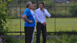 """Футболисти """"извиват ръцете"""" на Левски, искат повече пари"""