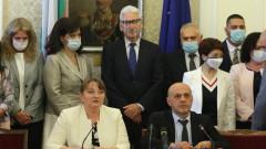 Властта обвини Радев в скверна технология за трупане на политически дивиденти