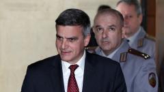 Военният министър притеснен от евентуална масова мигрантска вълна