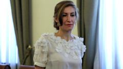 Оптимистичният вариант на Ангелкова: 40% загуби за туризма след кризата