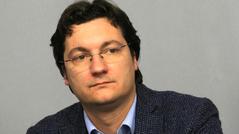 Крум Зарков вижда знак за провала на кабинета в оставката на Данаил Кирилов