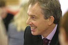 Разпитаха Тони Блеър как се назначава в Камарата на лордовете