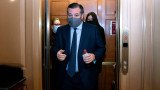 Влиятелен сенатор - републиканец изостави родния Тексас в снежен капан