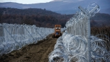 Словения строи още гранична ограда, ограничава наплива на мигранти