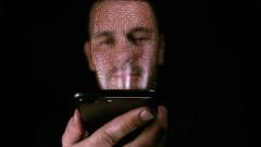 iPhone сканира лицето ни на всеки няколко секунди