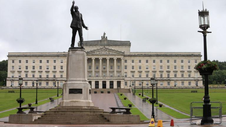Арлийн Фостър избрана за първи министър на Северна Ирландия