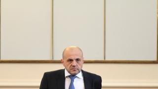 При 300 лв минимална пенсия няма да има пари за друго смята Дончев