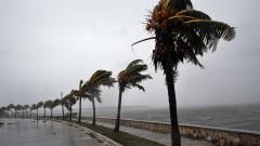 Силни морски бури в Гърция, кораби и фериботи остават по пристанищата