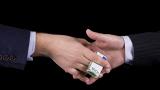 Арестуваха двама служители на БАБХ, докато взимат подкупа си