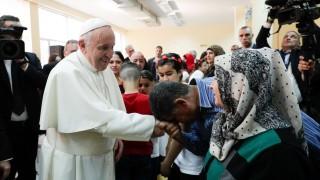 Папа Франциск: Пътят на бежанците е кръст