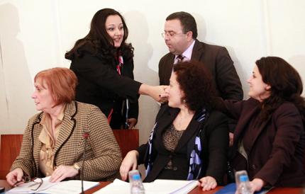 Павлова готви пълна забрана на строежите по Черноморското крайбрежие