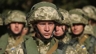 Военните разходи на една държава са цели 13,5% от БВП. И това не е САЩ
