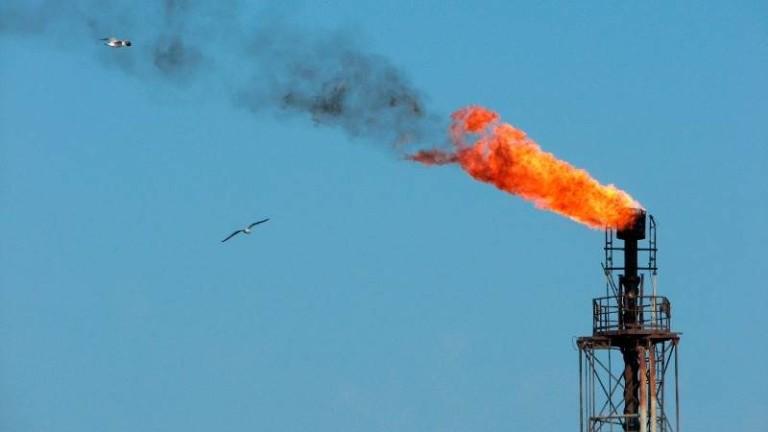 Защо сега беше най-неподходящият момент за шок в цените на петрола?