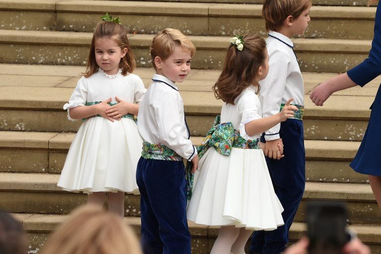 Шарлот, Джордж и останалите малки шафери