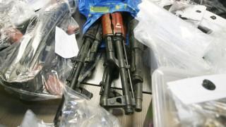 Откриха боен арсенал в гараж в София
